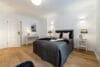 Neu mit Provisionsteilung: Renovierte und bezugsfertige 3-Zimmer Wohnung im Münchener Norden - Schlafzimmer