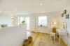 Bezugsfertig und renoviert: 3,5-Zimmerwohnung mit zwei Balkonen in Münchens Top-Lage - Schlafzimmer