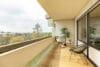 Bezugsfertig und renoviert: 3,5-Zimmerwohnung mit zwei Balkonen in Münchens Top-Lage - Balkon 1