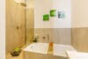 Zum Verlieben! Renovierte 4-Zimmer Altbauwohnung mit Balkon im Glockenbachviertel - Bad