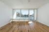 Sonnige und renovierte 3-Zimmer Wohnung mit Süd-Balkon und sehr guter Anbindung - Wohnzimmer