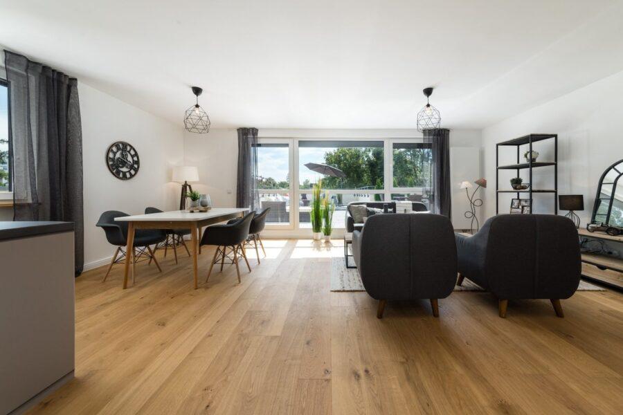 Dachterrassentraum: Renovierte 4-Zimmerwohnung mit Nähe zum Stadtpark, 81243 München, Wohnung