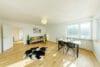 Traumhafte 4-Zimmerwohnung mit Balkon zum Erstbezug nach Renovierung - Wohnzimmer