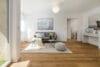 Sonnige und renovierte 2-Zimmer Wohnung mit Südbalkon - Wohnbereich / Balkonzugang